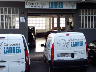 Fachada taller Carrocerías Larrea